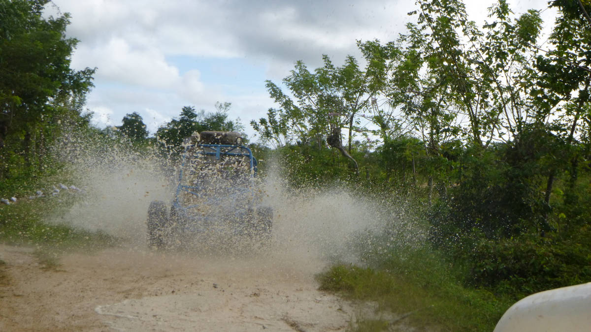 Come with us on impressive Xtreme-Buggy trip, driving your Dune Buggy on muddy countryside roads