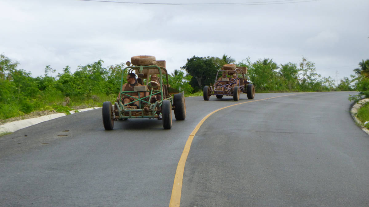 Have fun on attractive Xtreme-Buggy excursion while driving your Dune Buggy on tough Punta Cana countryside roads