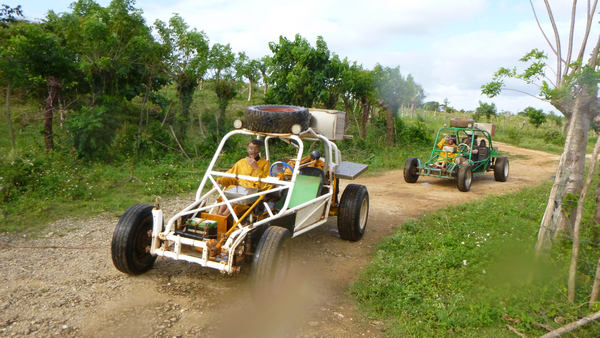 Come with us on awesome Xtreme-Buggy tour, driving your Dune Buggy on muddy countryside roads